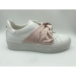 Shoes Woman Cult slipon sneakers white